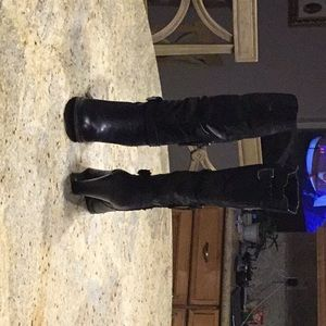 GUESS Women's Black Leather Mid-Calf Heeled boots